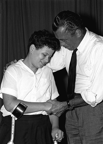 Cu-Ed-Sullivan-in-19581