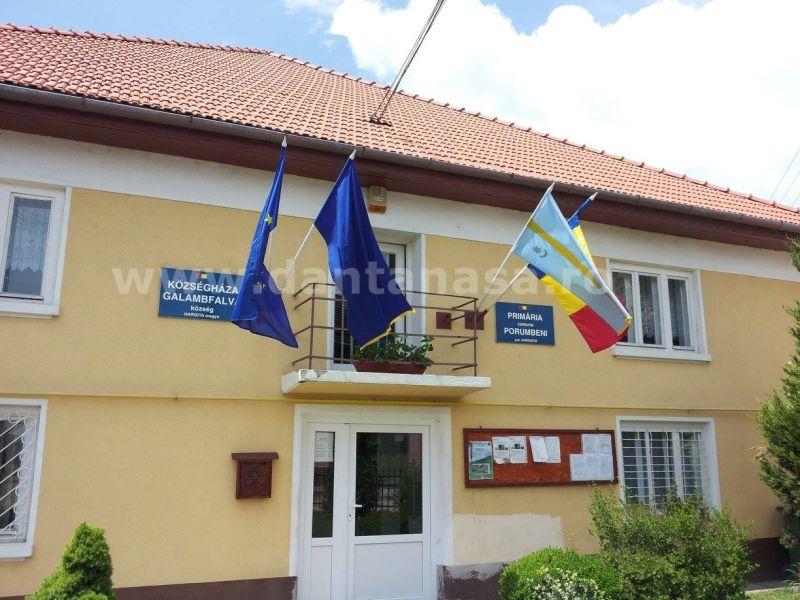 Primaria-Porumbeni-steag-secuiesc-iunie-2014